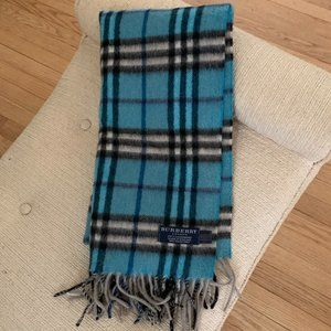 NWOT Burberry Classic Check Cashmere Scarf